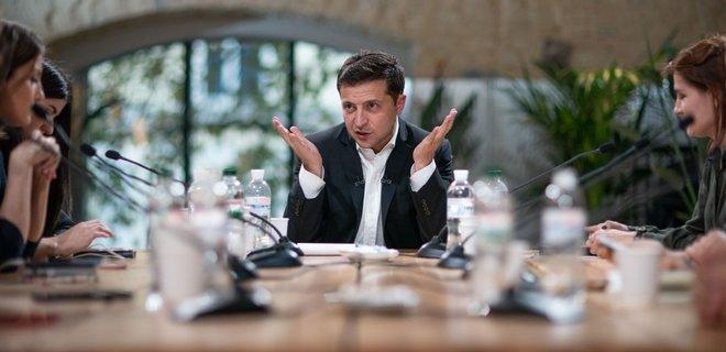 Зеленский за год выполнил 8 обещаний из 43: статистика обещаний президента