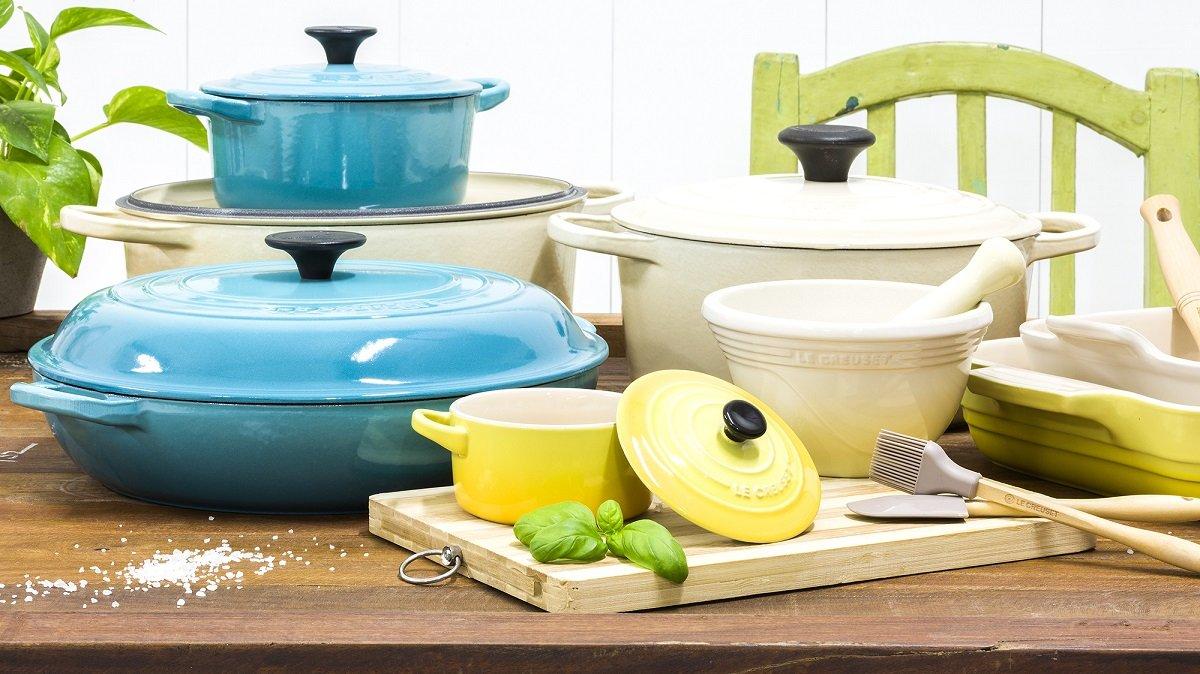 Токсичний для здоров'я посуд: фахівці розповіли, в чому краще готувати їжу