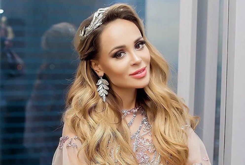 Анастасия Заворотнюк идет на поправку: известная певица поделилась информацией об актрисе