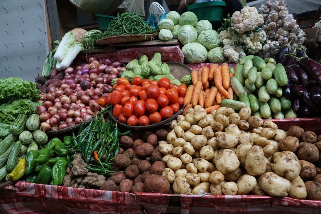 Українська городина різко дорожчає: ціни на овочі з борщового набору зросли на третину і вище