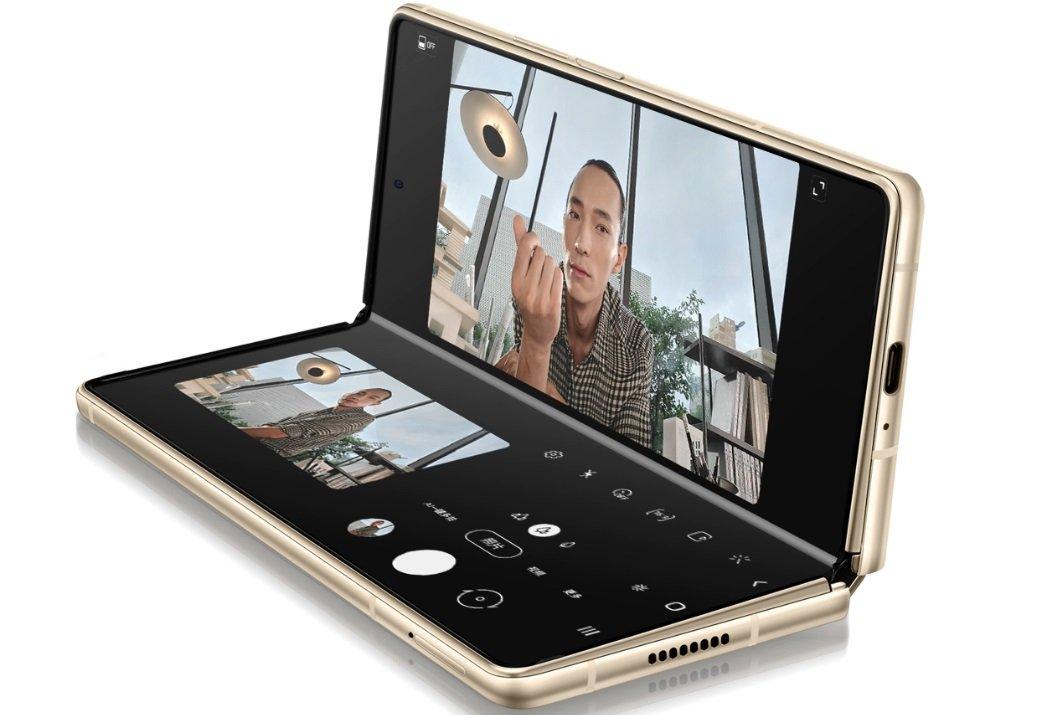 В Samsung представили розкладний смартфон Galaxy W21 5G: характеристики нового гаджета