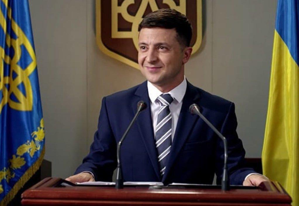 Зеленський буде спілкуватися з народом через відеоблог: нові плани Офісу президента