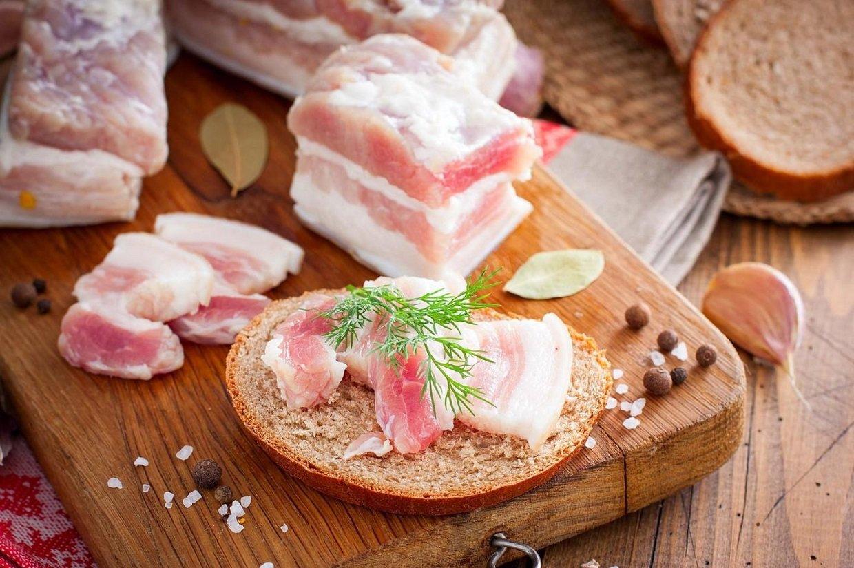 Сало з часником замінить вітаміни взимку: чим корисна доступна і смачна закуска