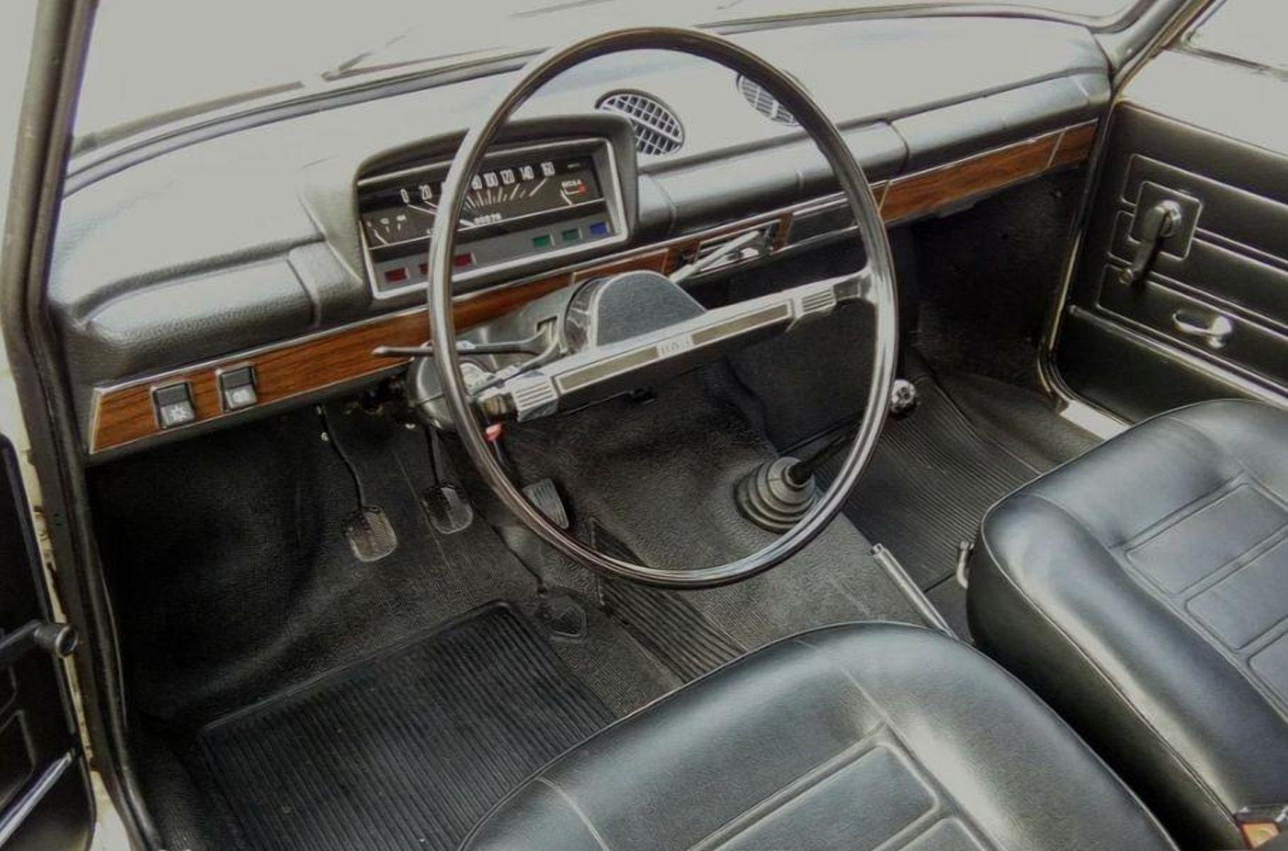 Капсула часу: 38-річний ВАЗ-2101 без пробігу продають за ціною нового авто