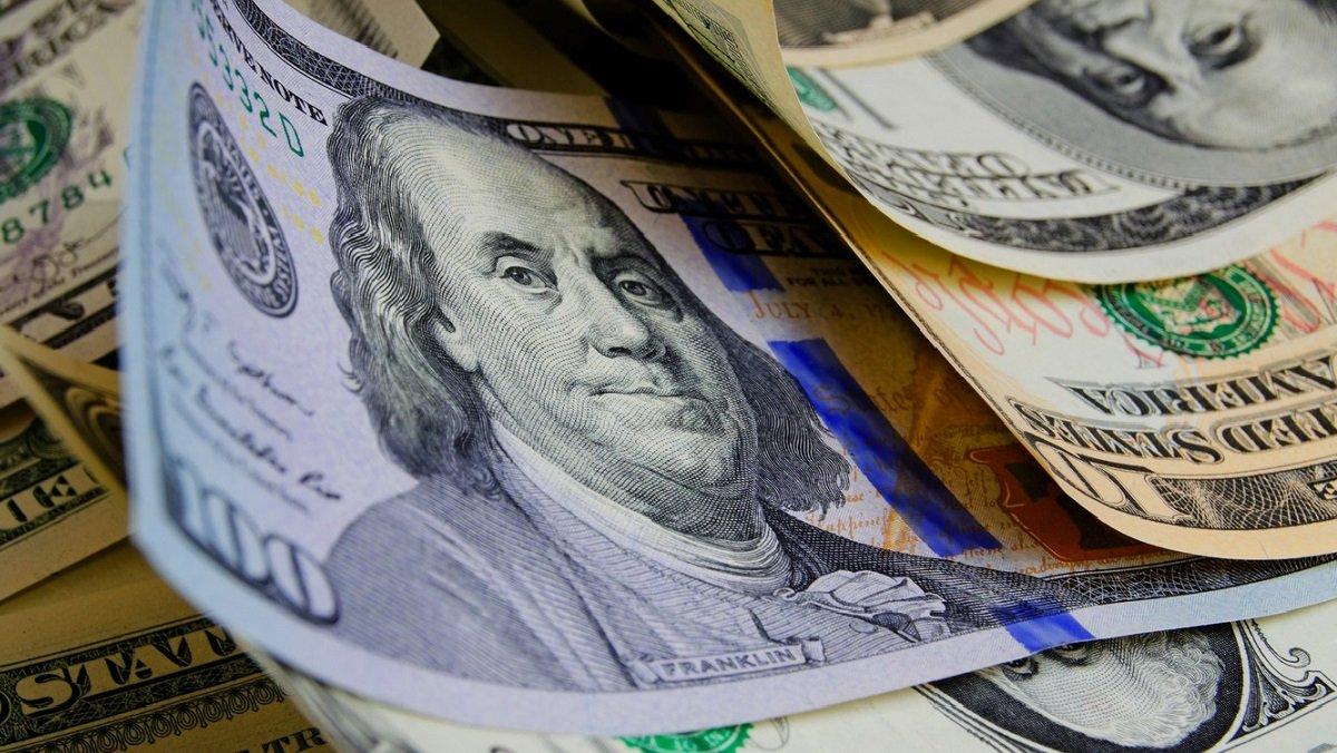 Гривня втрачає позиції на валютному ринку: долар і євро значно подорожчали