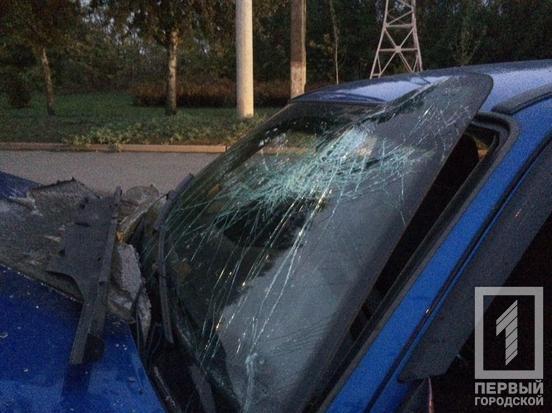 У Кривому Розі в ДТП потрапив автомобіль з вагітною жінкою і двома дітьми: наслідки аварії