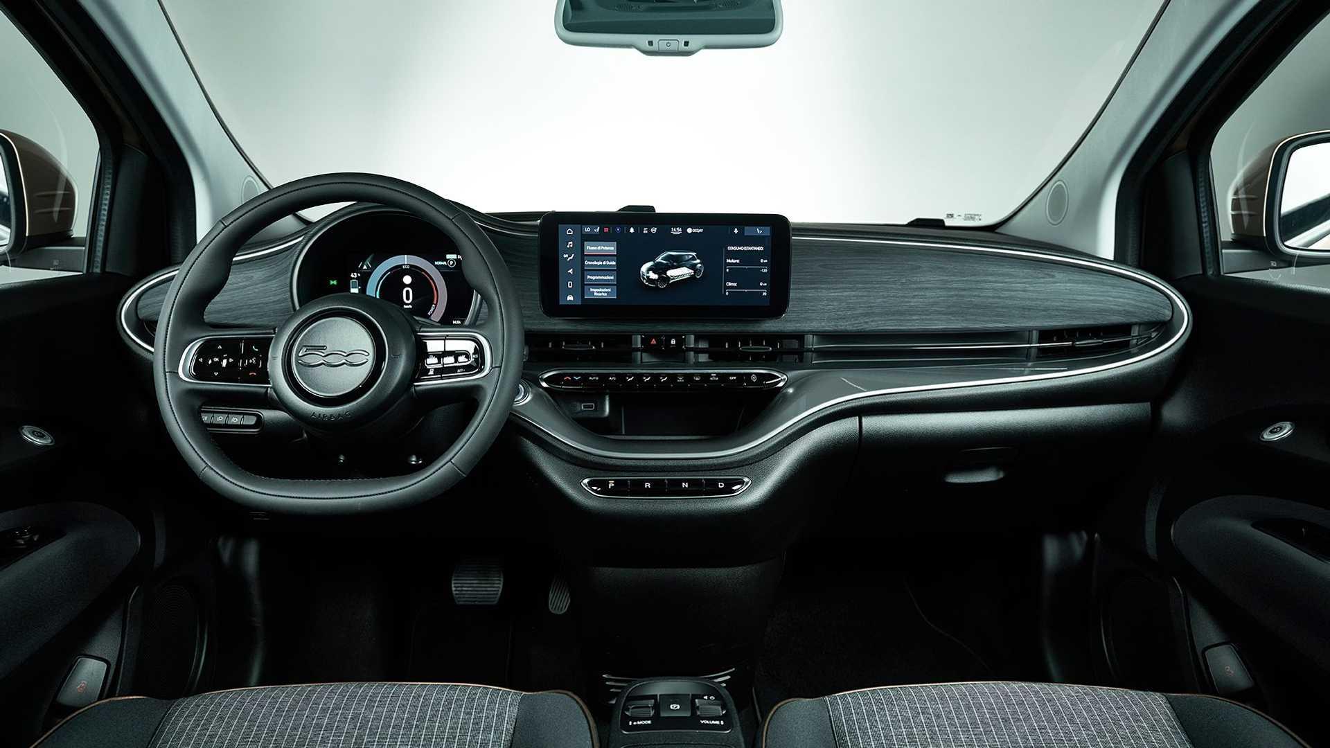 Fiat 500e отримав 4-у дверь та доступну версію