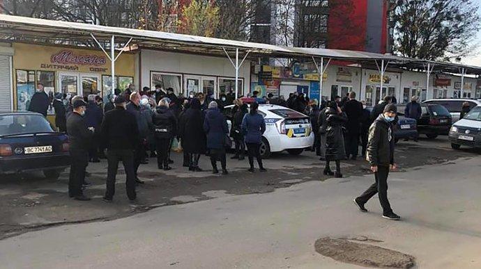 У Львові поліція влаштувала підприємцям карантин вихідного дня, попри незгоду мерії
