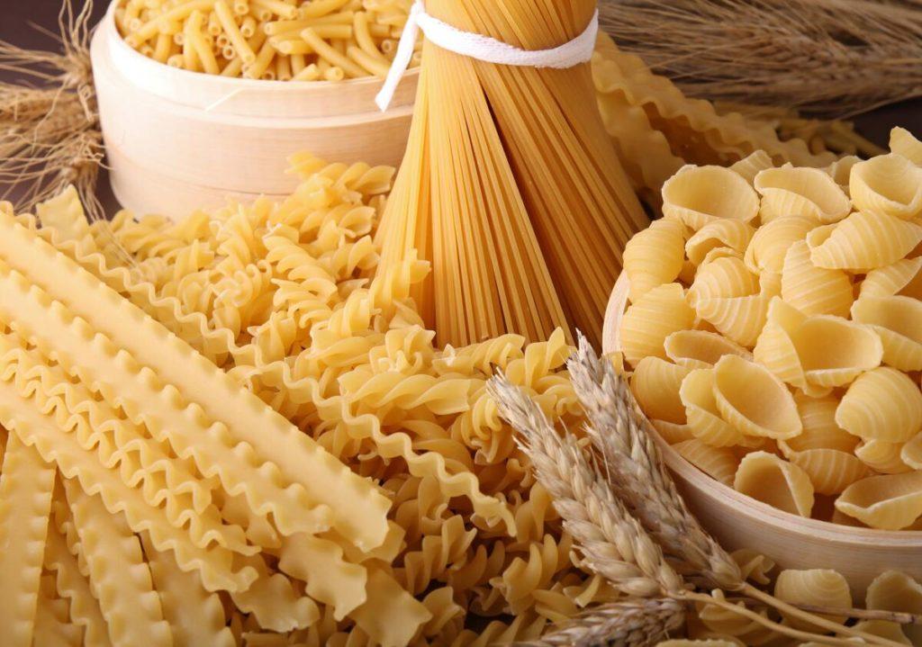 Макарони можна їсти і не товстіти: дієтолог розвінчала популярний міф