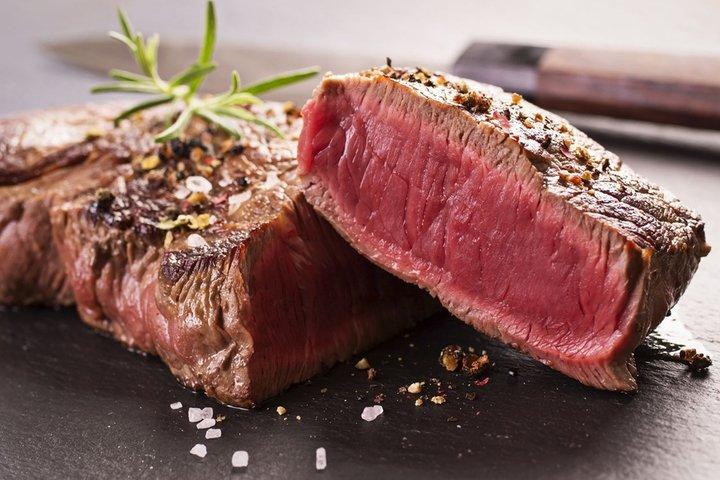 Червоне м'ясо: чим воно небезпечне, і як готувати улюблений продукт, щоб не заподіяти організму шкоди