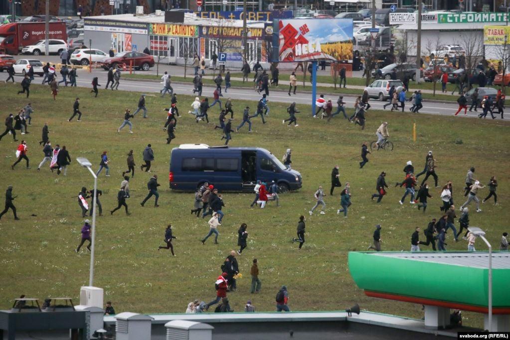 У Мінську на недільному Марші проти терору пролунали постріли: подробиці з Білорусі