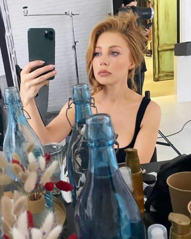 Тіна Кароль показала, як виглядає в гримерці без макіяжу