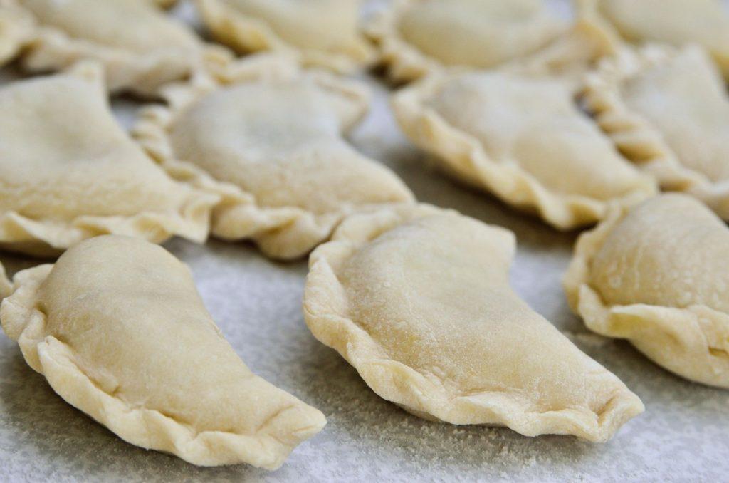 Вареники з картоплею нашвидкуруч: простий рецепт улюбленої страви українців