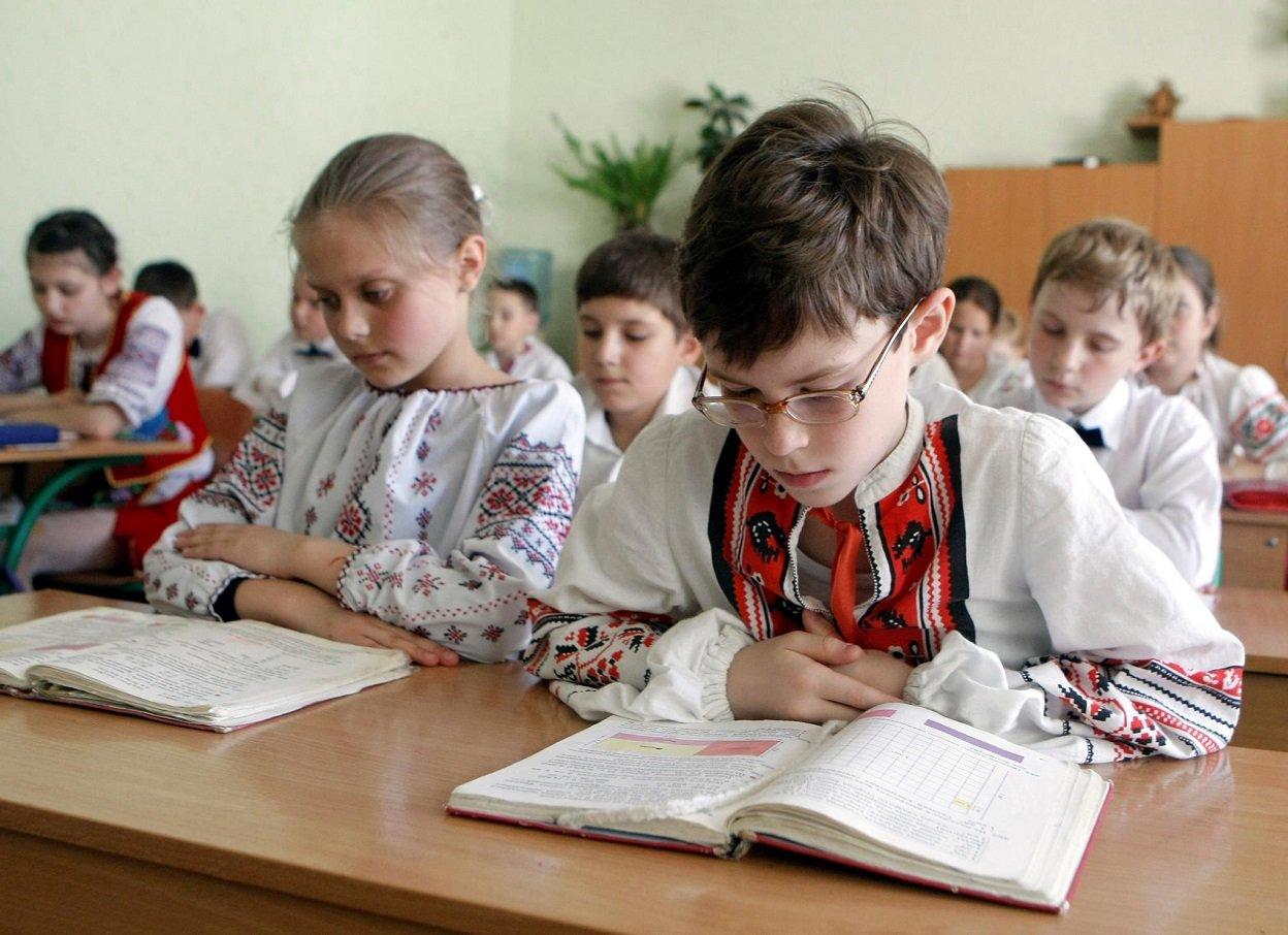 С 2021 года школы в Украине будут работать по новым правилам – Минздрав