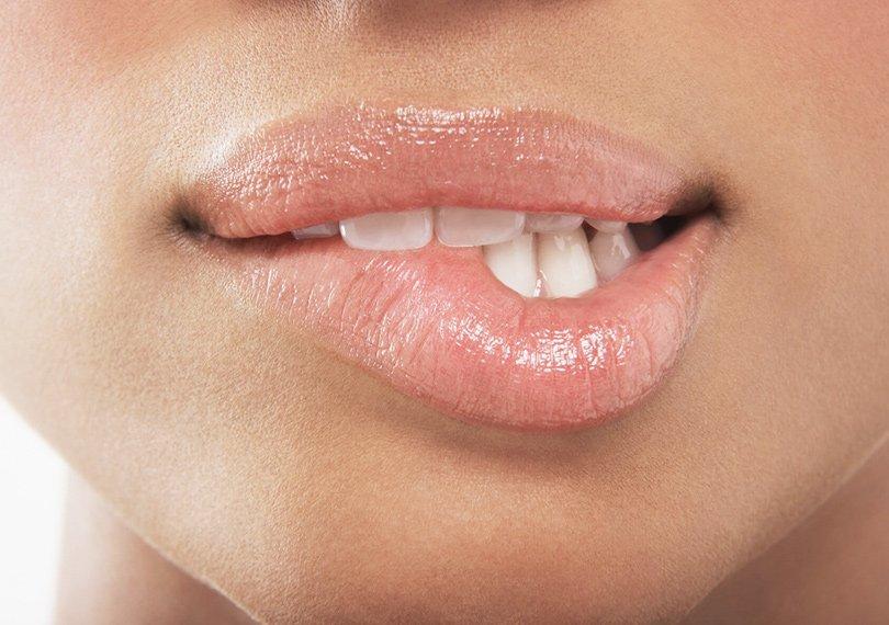 Як боротися з сухістю губ взимку: б'юті-експерт розповіла, чому не допомагає гігієнічна помада