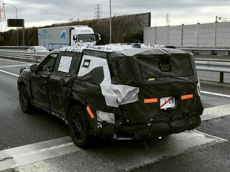 Новий Toyota Land Cruiser 300 вперше помітили на тестах