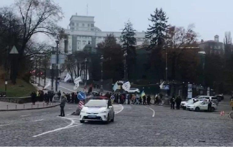 Президент Зеленський подав законопроект про відстрочку касових апаратів, але ФОПи все одно протестують