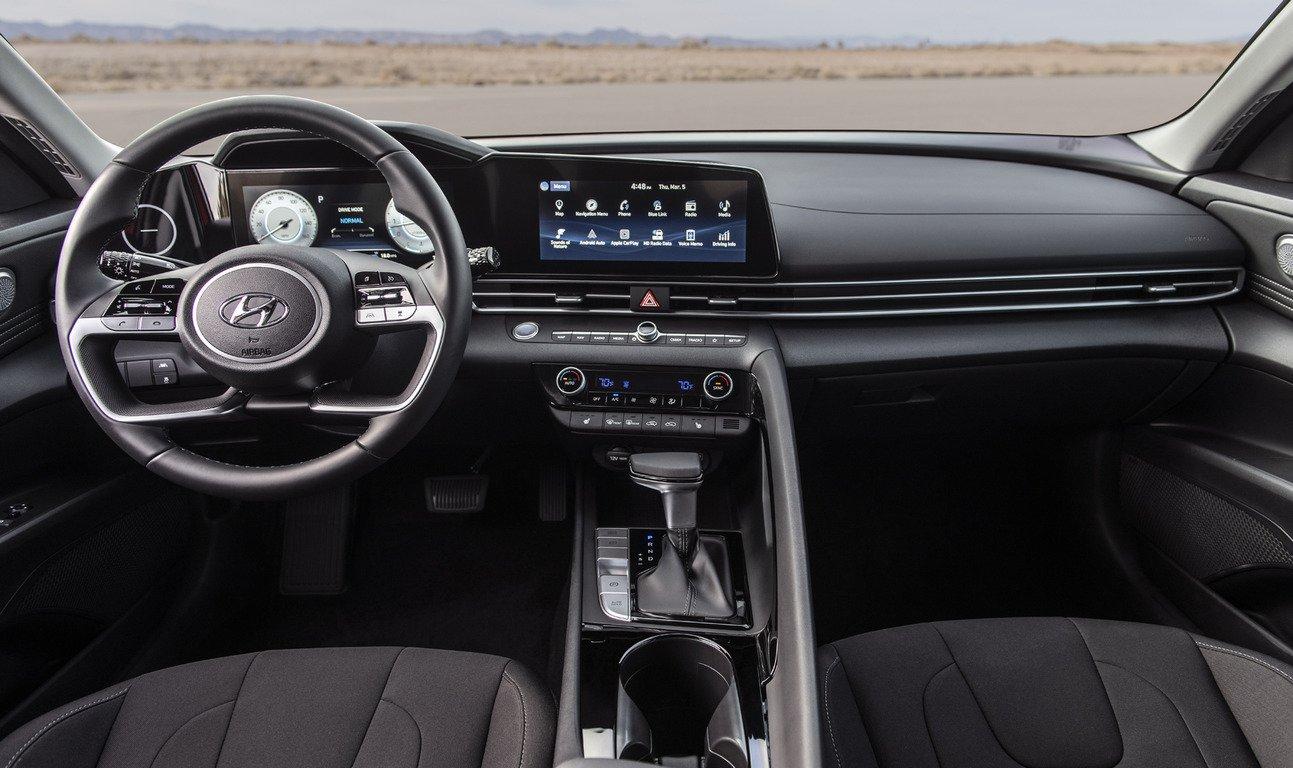 В Україні почалися продажі нової Hyundai Elantra