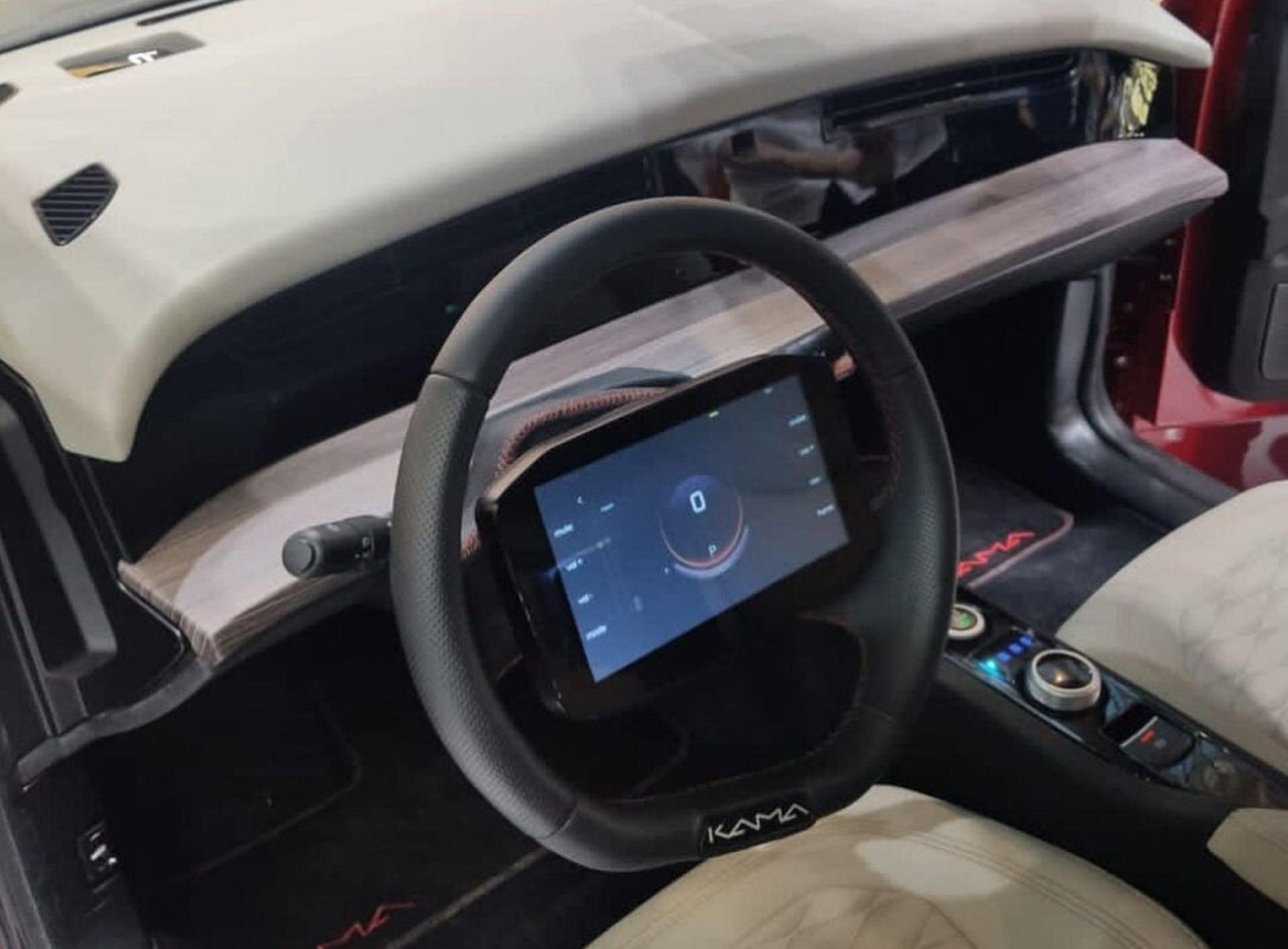 «КАМАЗ» представив легковий електромобіль