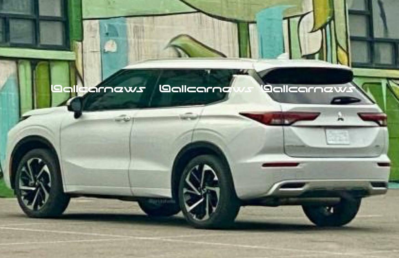 Mitsubishi Outlander нового покоління показали на фото