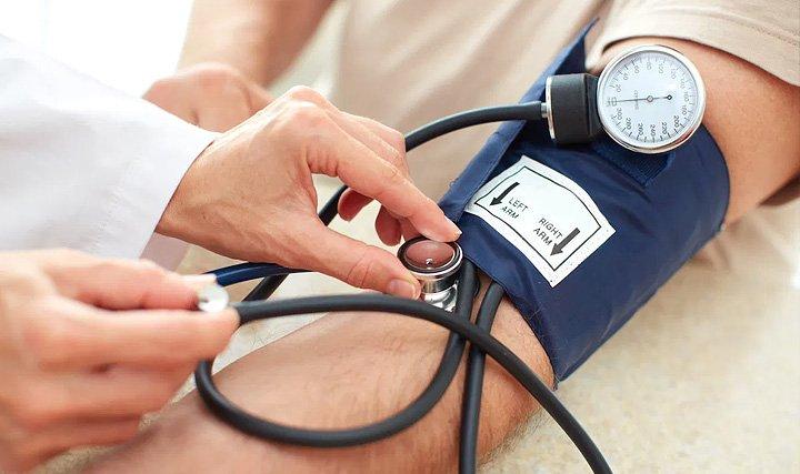 Якщо під рукою не виявилося ліків: лікарі рекомендують, як швидко знизити артеріальний тиск