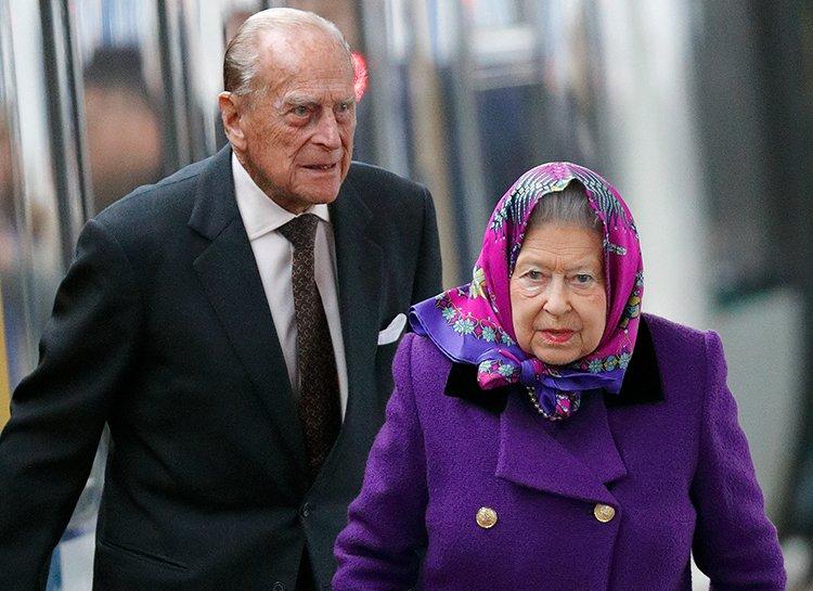 Королева Єлизавета і її чоловік принцип Філіп отримають щеплення від коронавірусу