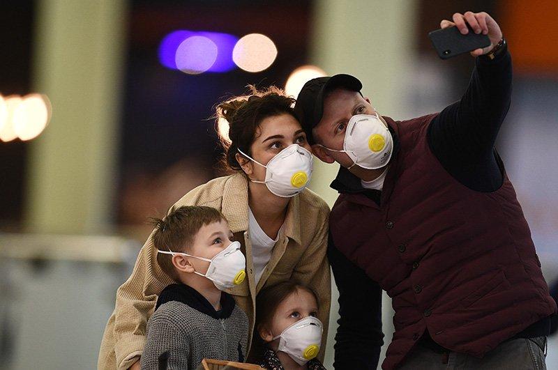 Коронавірус нікуди не йде: ВООЗ закликала всіх носити маски навіть після вакцинації від коронавірусу