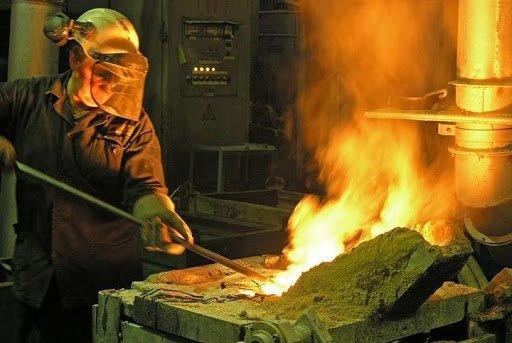 Українців, що працювали у шкідливих умовах, позбавлять права на дострокову пенсію