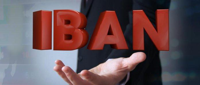 Банки в Україні масово відмовляють клієнтам в обслуговуванні: у чому причина