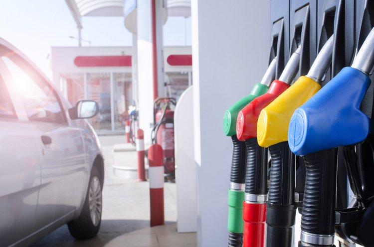 Ціни на бензин і дизпаливо продовжують рости: що почім на АЗС України