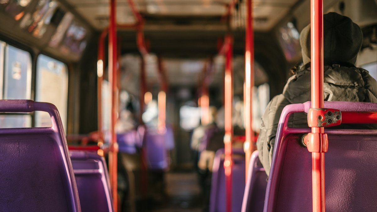 Стоимость проезда в городском транспорте вырастет: украинцев заставят расплатиться за льготников