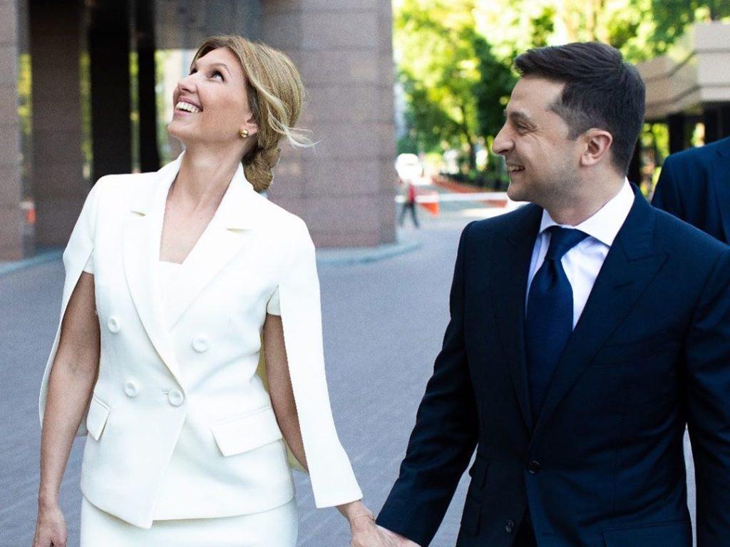 Эксперты вынесли вердикт нарядам Елены Зеленской: костюмы, чтобы спрятаться