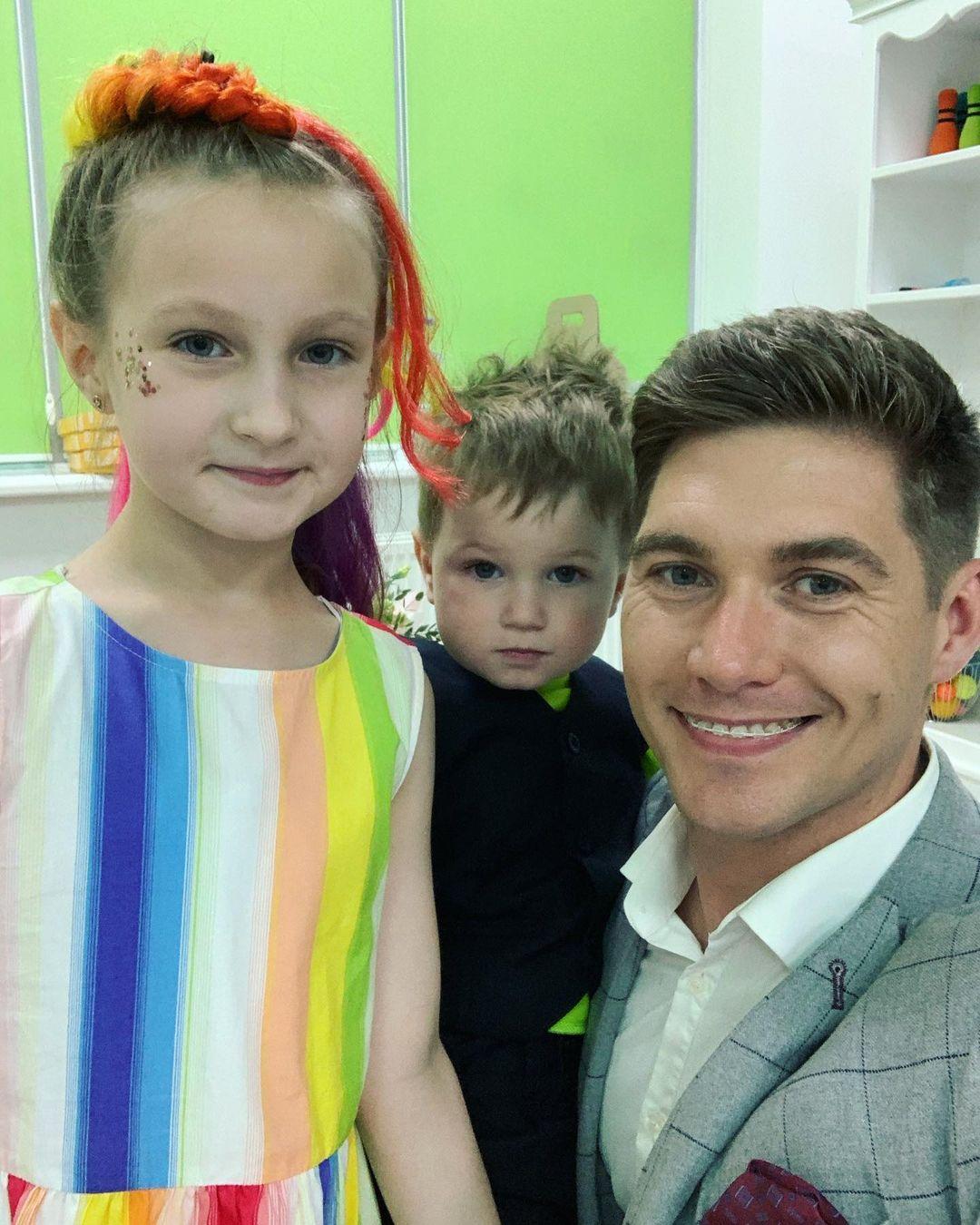 Володимир Остапчук поспіхом переїжджає в меншу квартиру через дітей