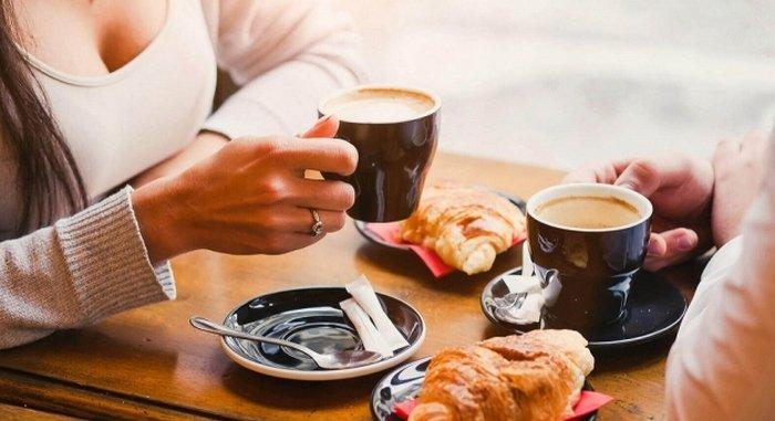 Вчені розповіли, чи можна вживати каву під час їжі