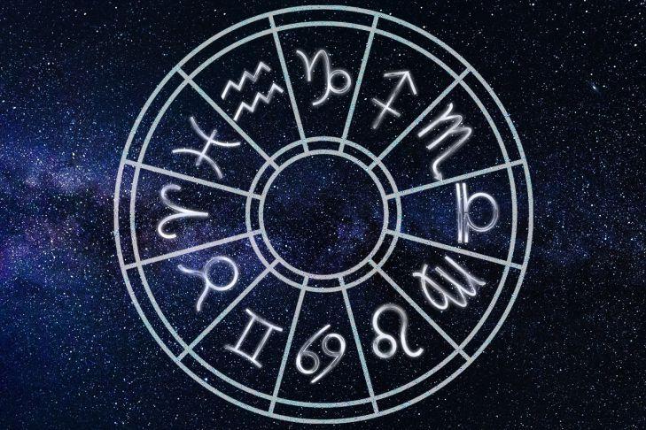 Гороскоп на січень 2021 року по знакам Зодіаку: кому пощастить і в чому