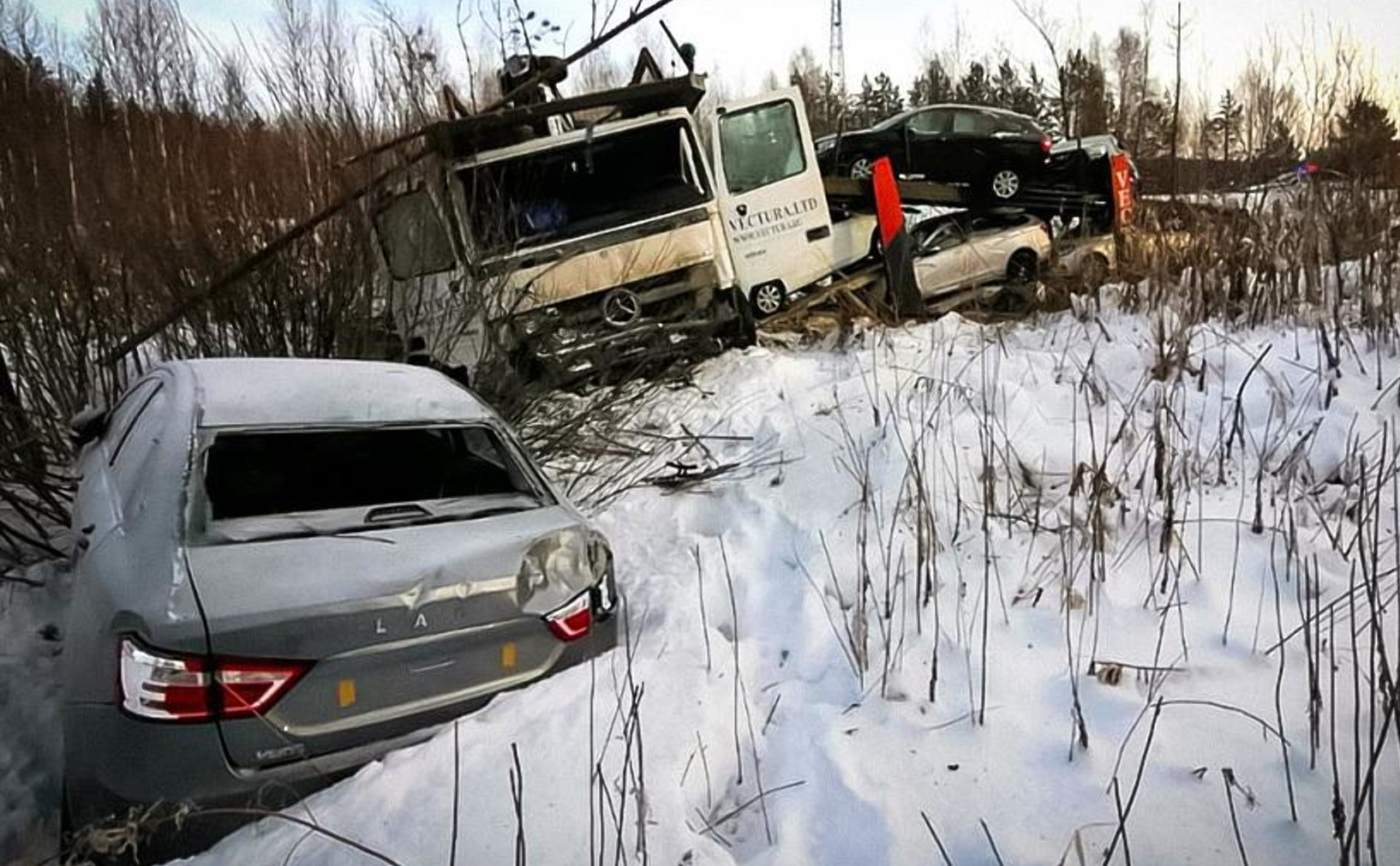 Нові Lada Vesta не доїхали до дилера