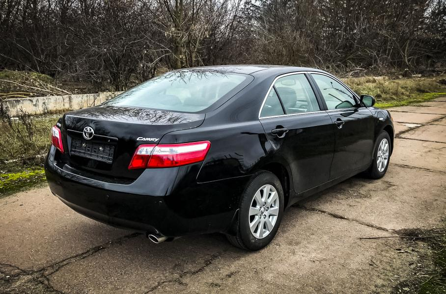 """""""Капсула времени"""": В Сети показали """"новую"""" Toyota Camry 40"""