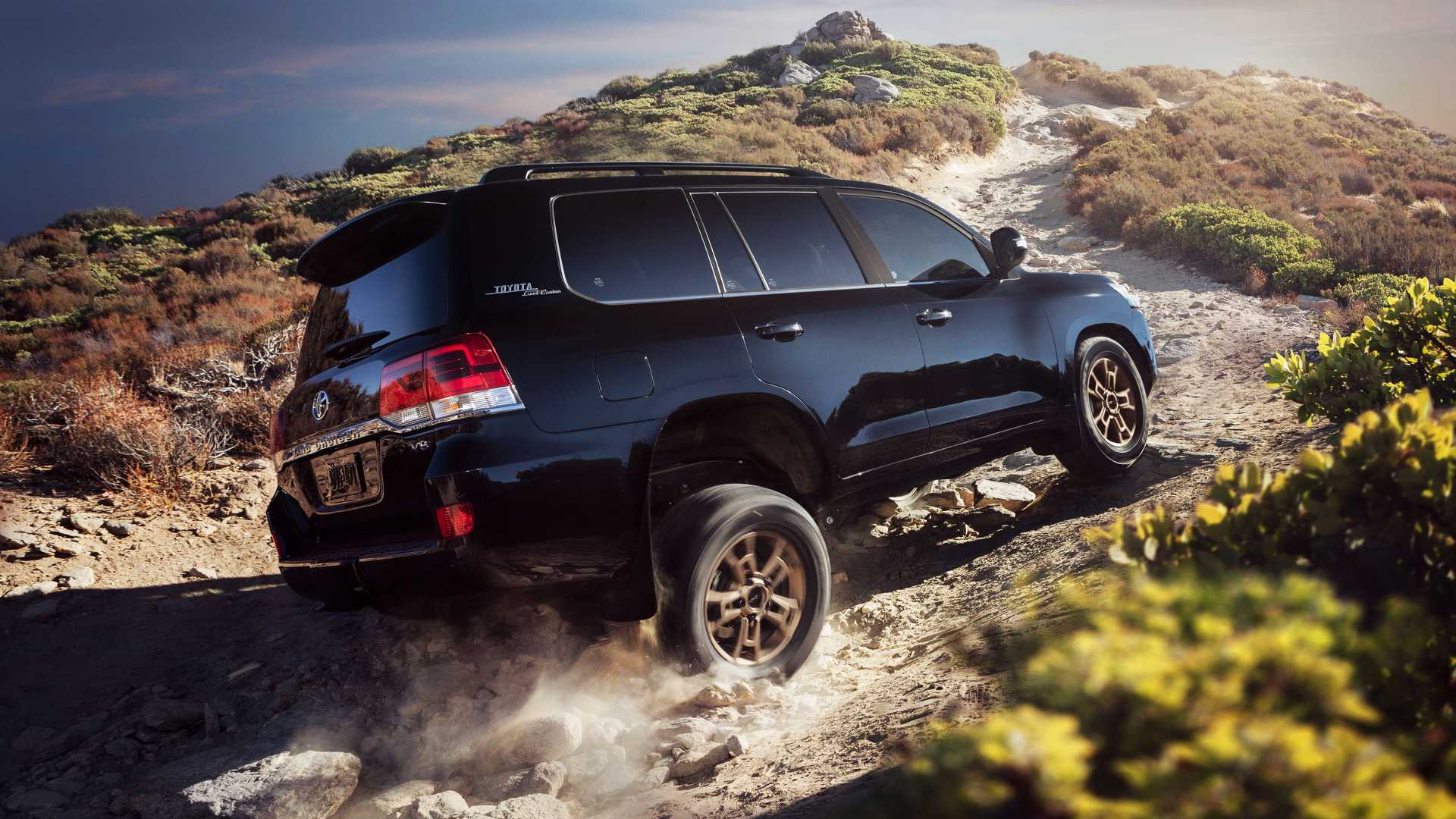 Toyota Land Cruiser 300 лишится мощного двигателя V8