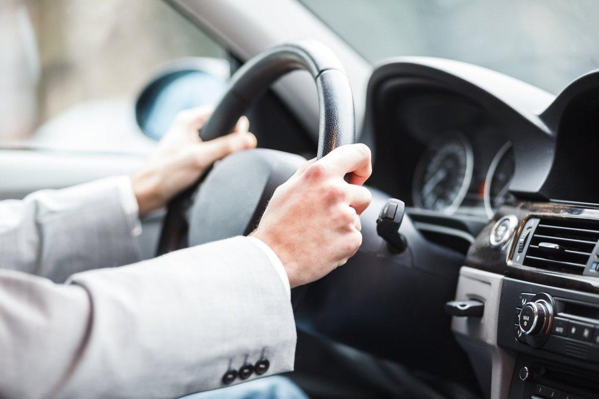 Названы три самые опасные привычки водителей