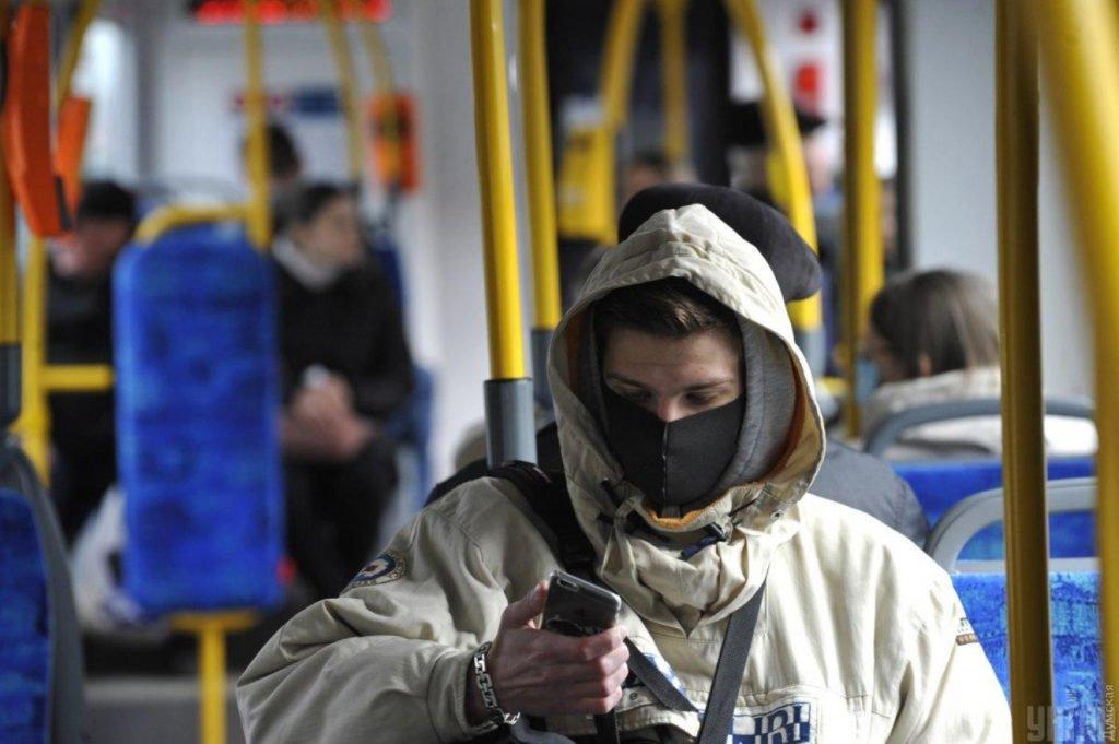 Локдаун в Україні закінчився: які правила карантину діють з 25 січня