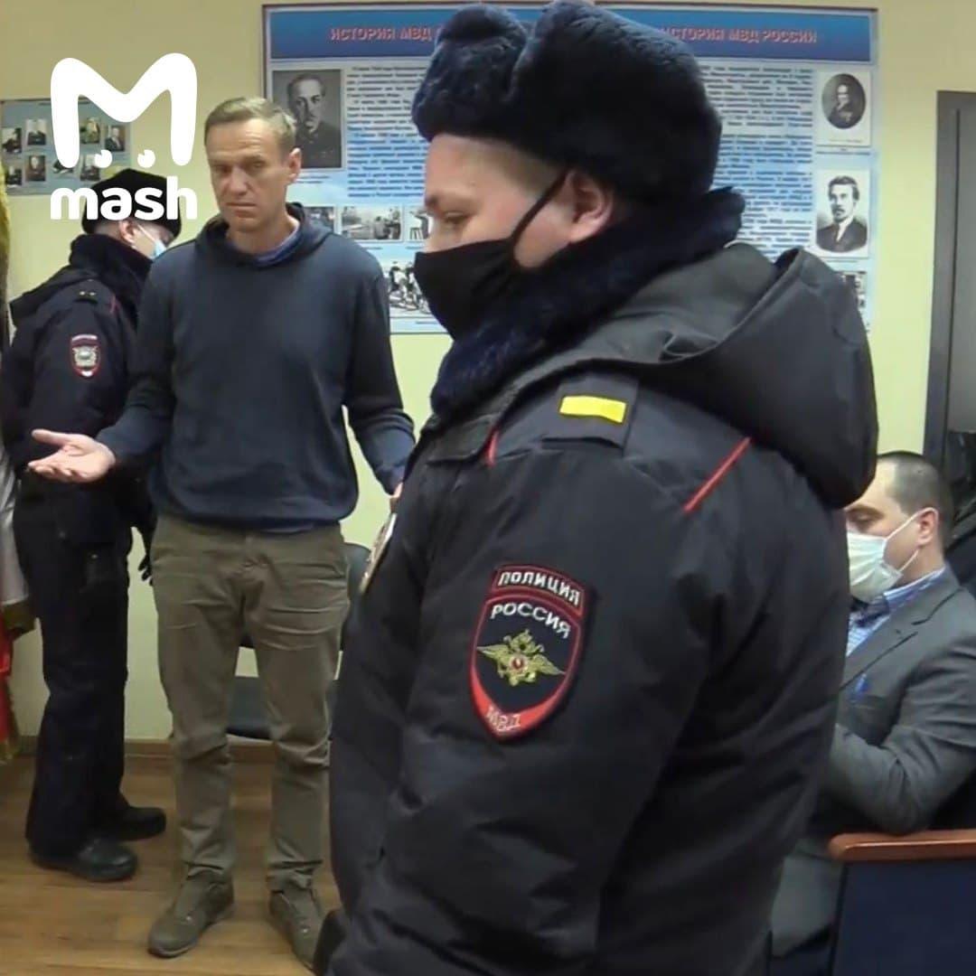 Олексія Навального за рішенням суду заарештували на 30 діб: Феміда засідала не в Москві