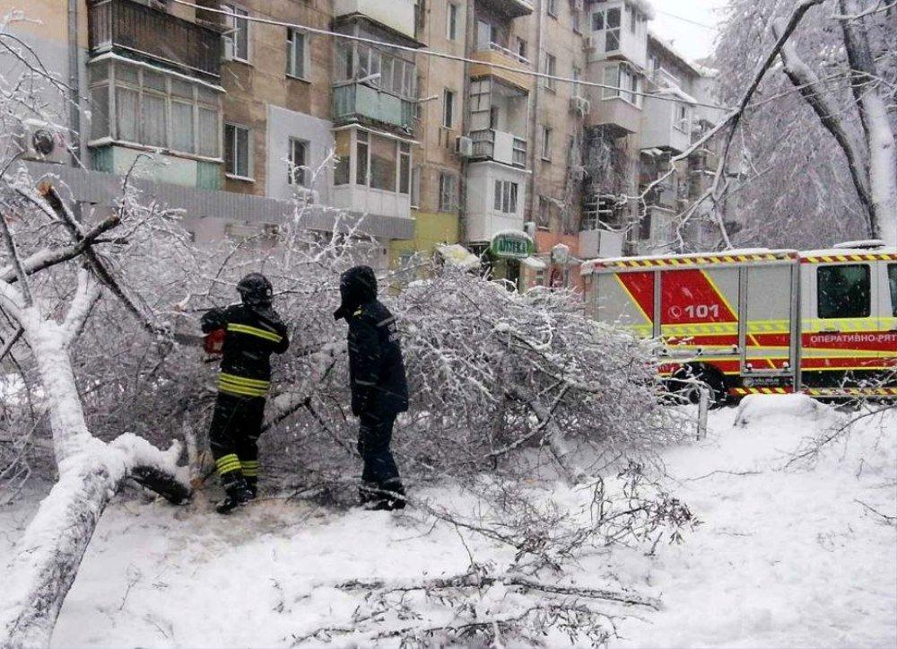 Негода в Одеській області: транспортне сполучення поки не відновлено, а на регіон насувається новий циклон