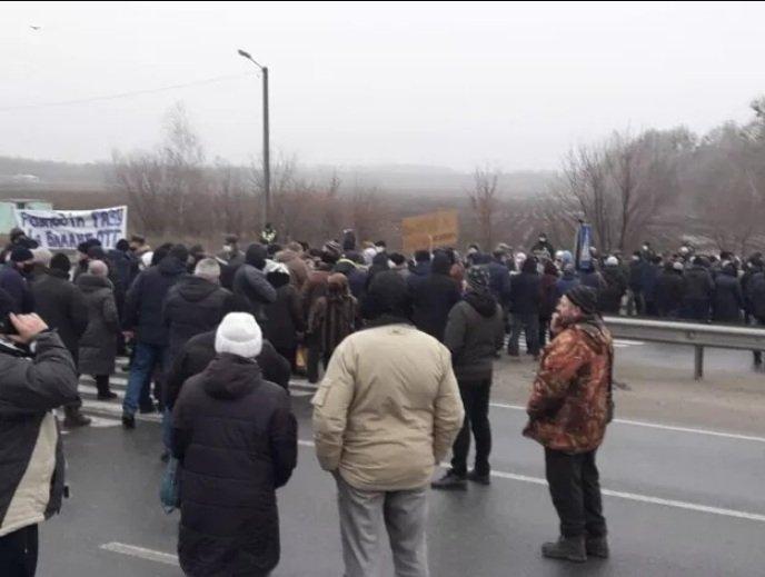 Тарифи на газ змусили жителів Полтавської області перекрити міжнародну автотрасу