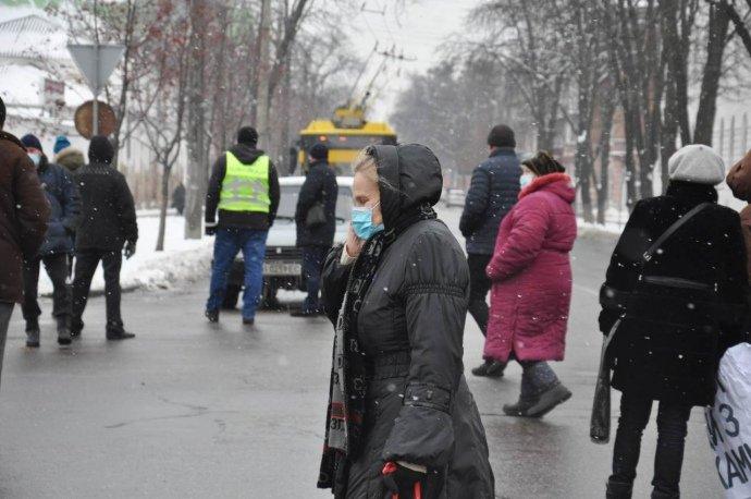 Требуют газ по 2 гривны: украинцы вышли на улицы и штурмуют обладминистрации