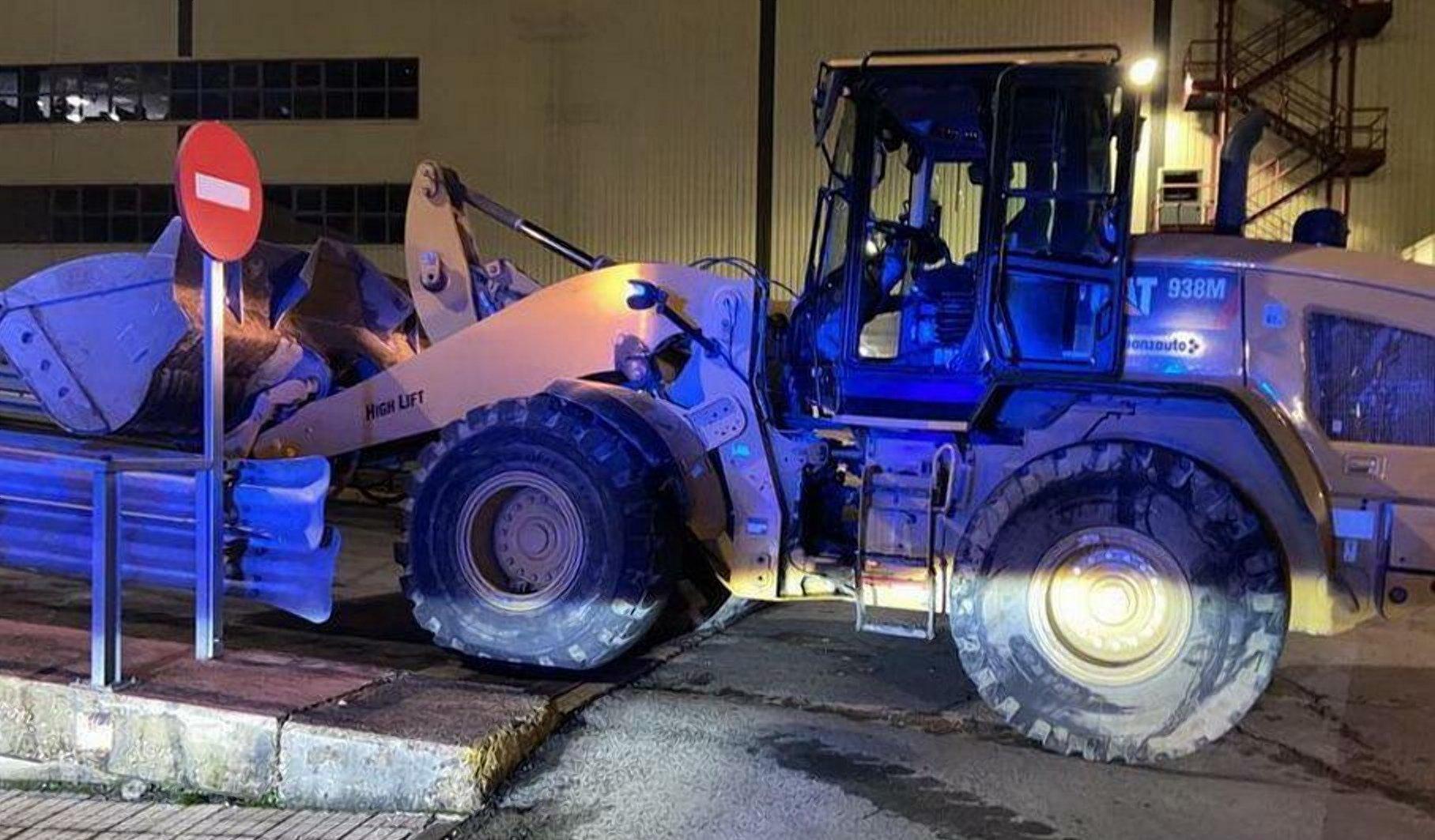 Колишній співробітник Mercedes в знак протесту знищив 69 машин