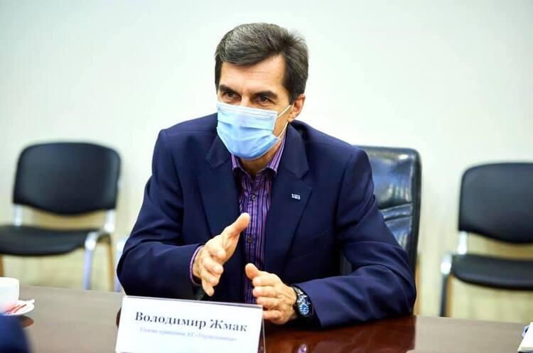 """Глава """"Укрзализныци"""" недоволен своей зарплатой в 625 000 гривен"""