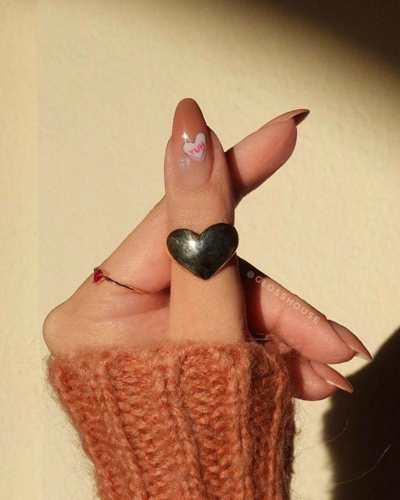 Манікюр з сердечками до Дня всіх закоханих: ТОП-3 варіанти безпрограшного дизайну