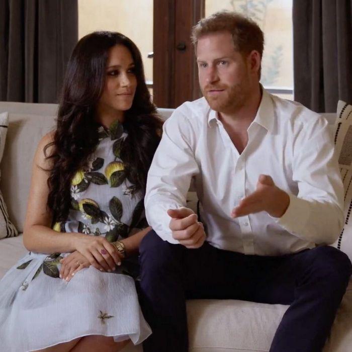 Беременная Меган Маркл впервые появилась на публике с принцем Гарри
