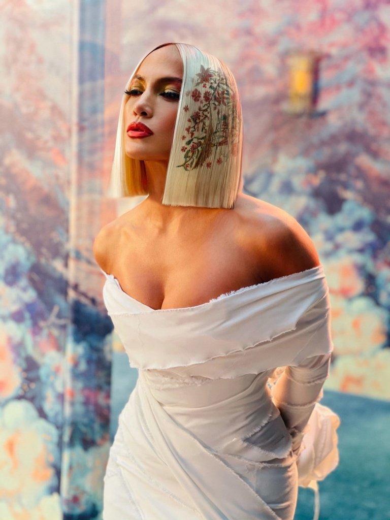 Стилісти назвали найпопулярніші види фарбування волосся у 2021 році
