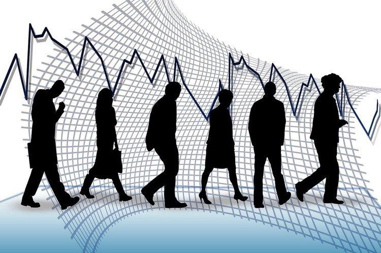 Украину ждут безработица и африканские зарплаты, - экономист